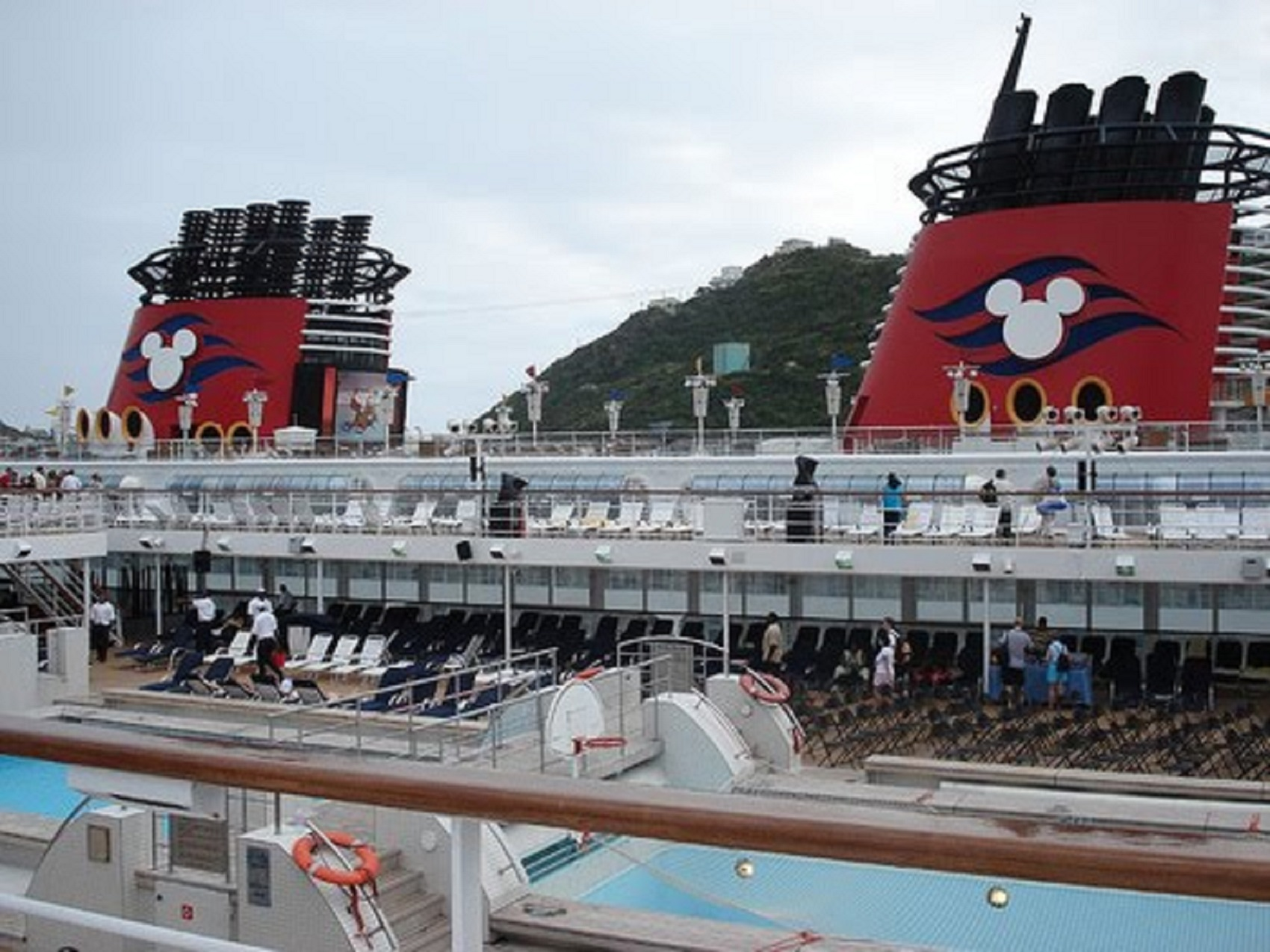 Disney_Cruise_ship 1700
